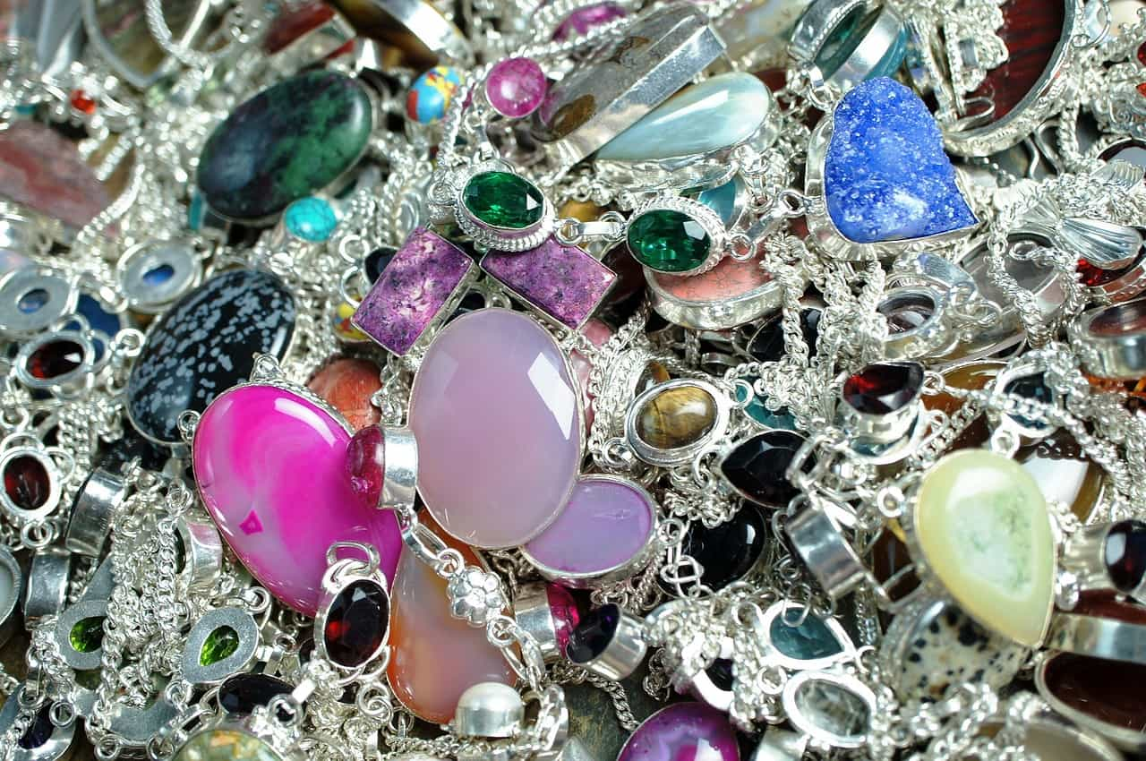 Claves del éxito al emprender con joyas de plata